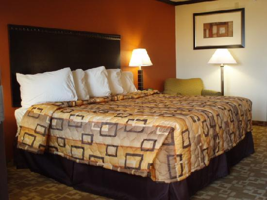 Days Inn Oklahoma City/Moore: My Room