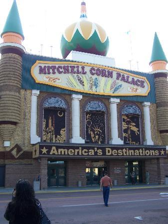 Comfort Inn & Suites: corn palace
