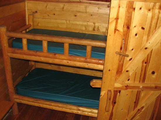 Winthrop / N. Cascades National Park KOA: Back room of two bedroom cabin, bunks