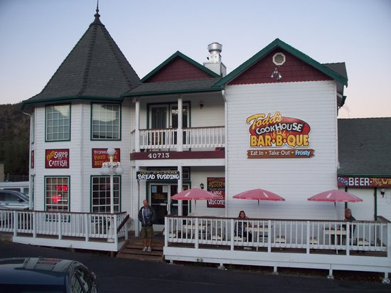 Alice's Cookhouse: The front entrance
