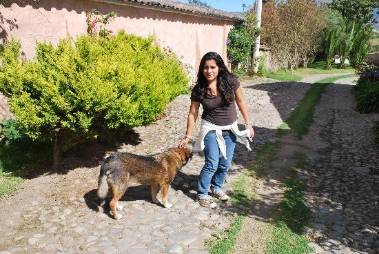 Hostal Las Palmeras : Mariana with one of the dogs