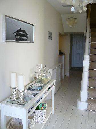 Carnaween House: Entrance hallway