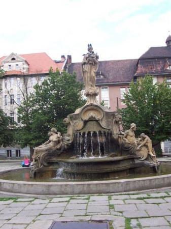 Fontanna na placu Wolności Fountain