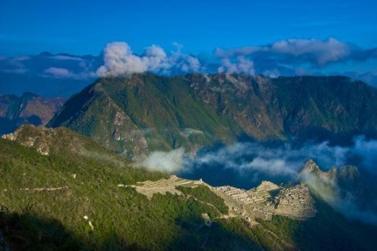 Machu Picchu Cusco Trek: Machu Picchu at sunrise from the Sungate