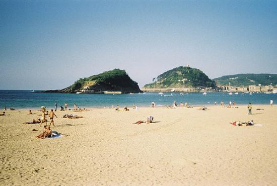 La Concha Beach: San Sebastian.