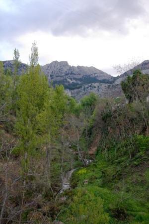 Cazorla, สเปน: Las montañas y el rio