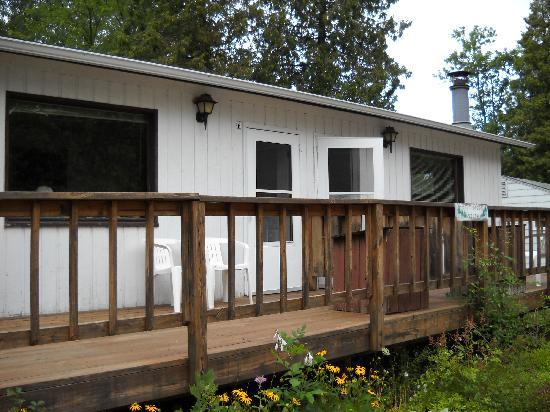 Ephraim Village Cottages: Cozy Brook North and South