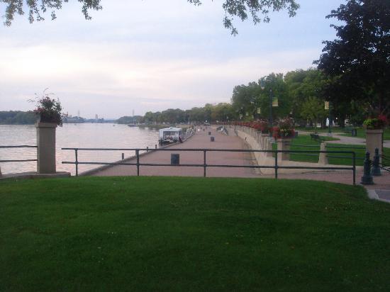 GrandStay Hotel & Suites La Crosse: La Crosse Riverfront Park
