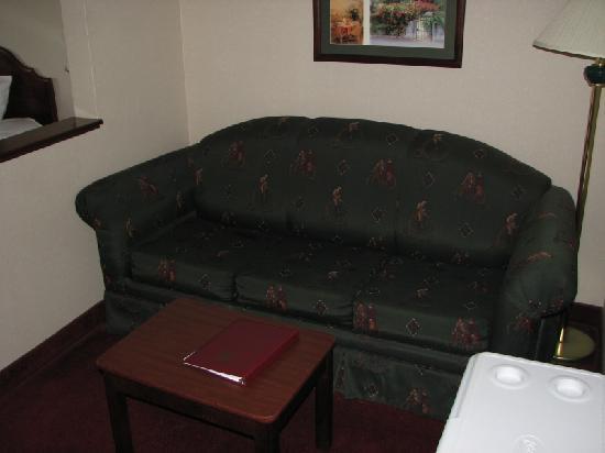 Comfort Suites Yakima: King suite