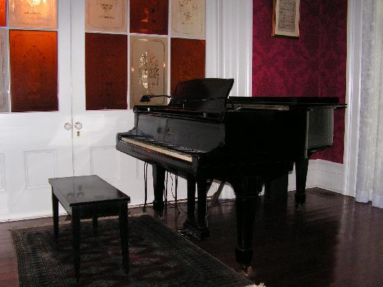 Stone House Musical B&B: his piano that he plays for his recital