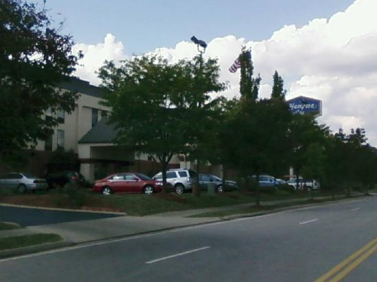 Hampton Inn Cincinnati - Kings Island: Hotel from outside