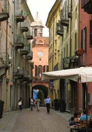 Альба, Италия: 小ぶりできれいな街並み