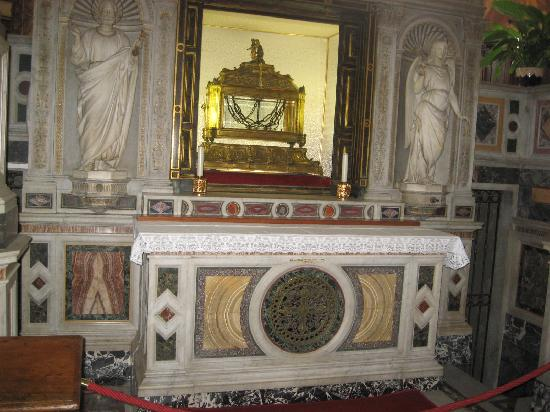 San Pietro in Vincoli: chains bounding St Peter