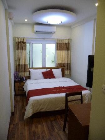 Hanoi Charming Hotel: room