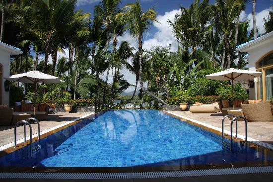 One&Only Le Saint Geran: Pool