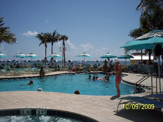 Hollywood Beach Marriott Swimming Pool