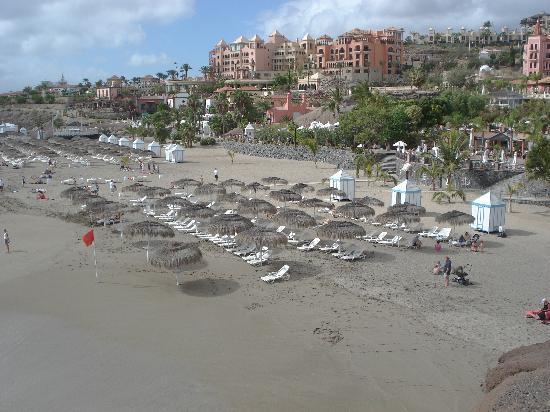 Tegueste Villas: Costa adeje beach a little walk away