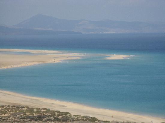 Sensimar Calypso Resort & Spa : Sotovento beach with its sandbars and mini-lagoons