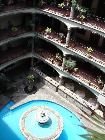 Hotel Posada Guadalajara: fountain & restaurant view from 4th flr