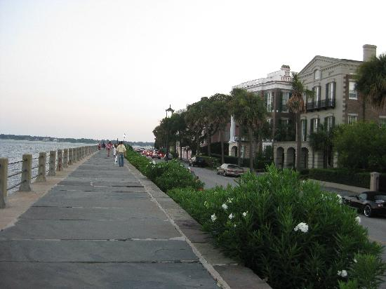 Days Inn Mount Pleasant-Charleston-Patriots Point: Down by the Battery