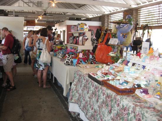 Days Inn Patriots Point: The Market