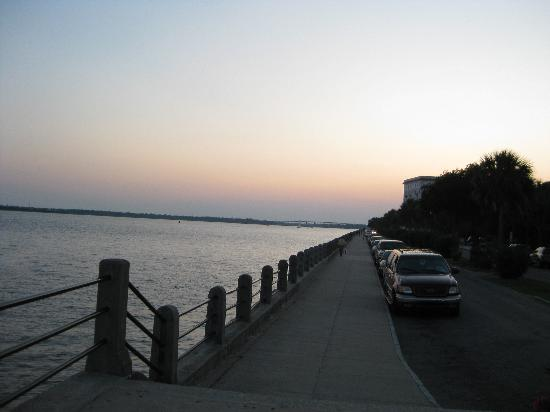 Days Inn Mount Pleasant-Charleston-Patriots Point: Sunset at the Battery