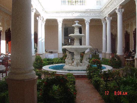 Mision Merida Panamericana : Entrance to the hotel