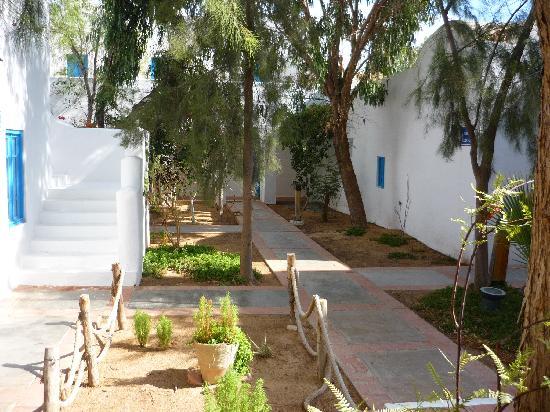 Winzrik Resort & Thalasso Djerba: Allées des chambres