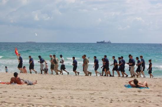 Fort Lauderdale Beach: ťažký život regrútov