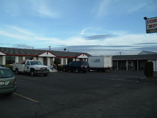 Condon Motel: Front exterior