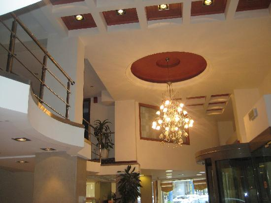 Golden City Hotel: lobby