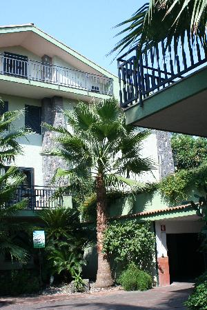 Borgo Verde Hotel: Outside Hotel/Garden Area