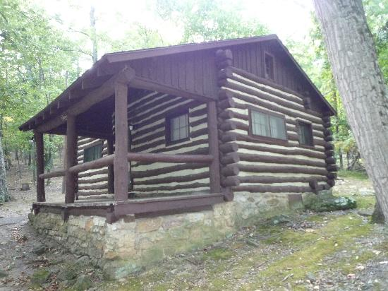 Berkeley Springs, Virgínia Ocidental: Standard Cabin Exterior