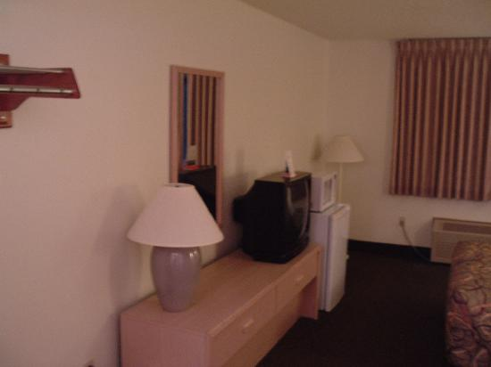 Americas Best Value Inn & Suites- Stuart: Room 115