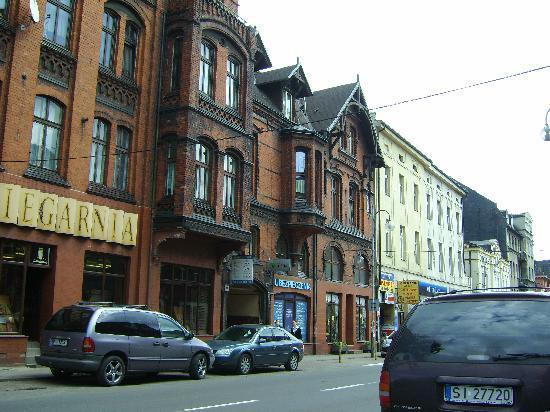 Diament Vacanza Hotel : 500 meters to Downtown Siemianowice