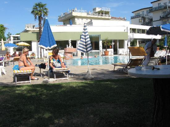 Hotel Terme Villa Pace: la piscina