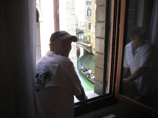Hotel Riva: Honey, hail me a gondola - we'll be right down