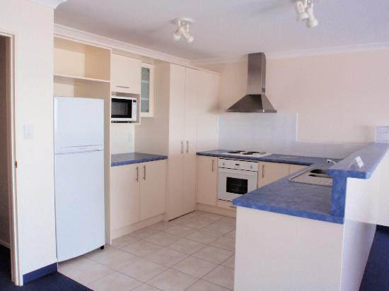 Breakwater Apartments: The kitchen