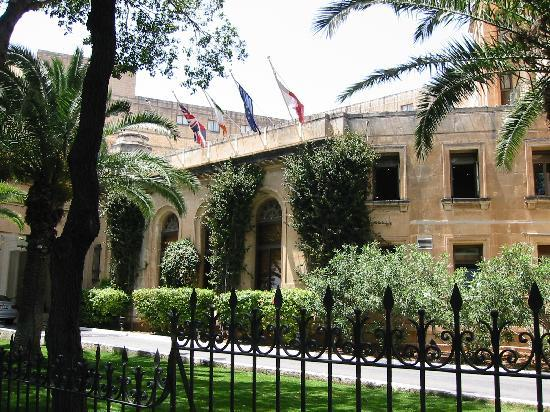 The Phoenicia Malta: Hotel Eingang