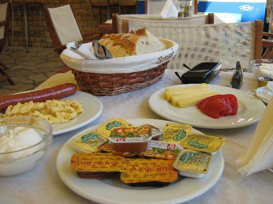 Angelica Hotel: The Big Angelica Breakfast!