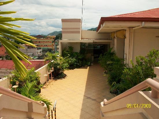 Hotel Alejandro: more roof