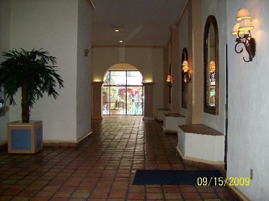 Ocean Reef Resort: Lobby area