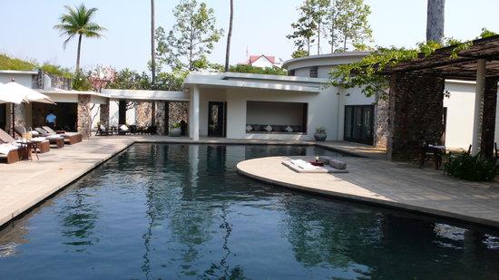 Amansara: la piscine