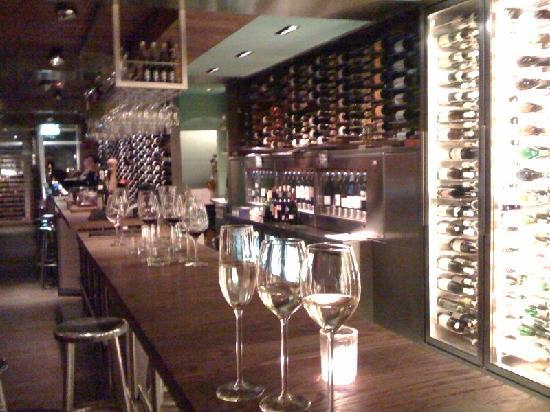 Maes B & B: Vyne - A Wine Bar