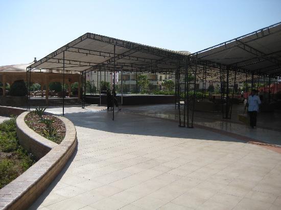Harmony Makadi Bay Hotel & Resort: The outside of the dining hall