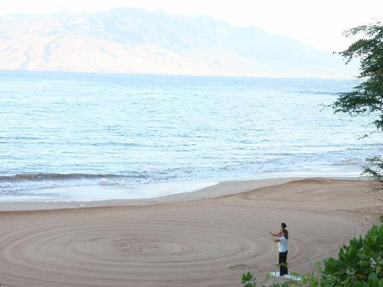 Four Seasons Resort Maui at Wailea: Yoga on the Beach