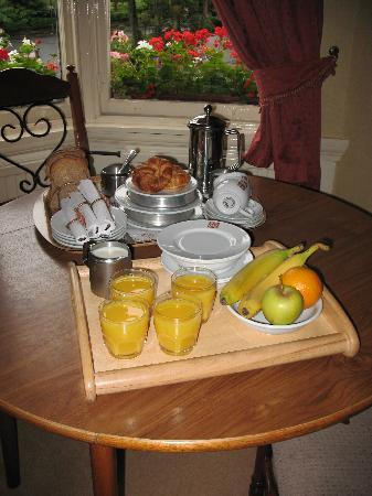 Kirklee Hotel: Delicious breakfast included eggs, Scottish bacon, grilled tomatoes and more!