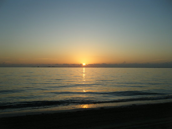 Playa Mujeres, Mexique : sunrise at EPM beach