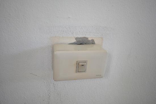 Samui Beach Resort : Dodgy wiring