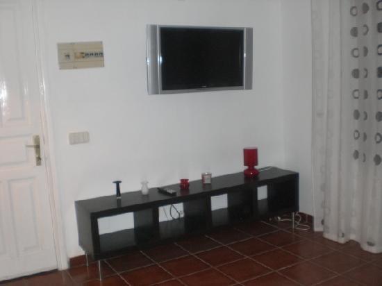 Club Valena: living room
